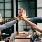 Travailler avec une agence SEA-PPC ou un gérer vos campagnes publicitaires online en interne?